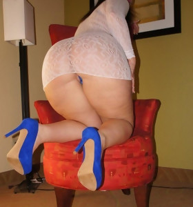 Featuring curvy figured ladies and great tight booties
